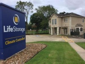 Life Storage - Pearland