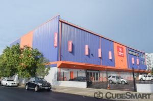 Image of CubeSmart Self Storage - Long Island City - 38-01 47th Avenue Facility on 38-01 47th Avenue  in Long Island City, NY - View 3