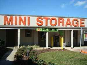 Personal Mini Storage - Orlando - 6325 Edgewater Dr - Photo 1
