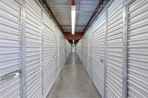 Personal Mini Storage - Kissimmee - 608 W Vine St - Photo 4