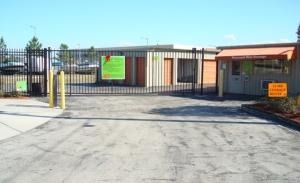 Personal Mini Storage - Kissimmee - 2581 Broadview Dr - Photo 2