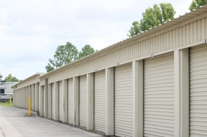Personal Mini Storage - Kissimmee - 2581 Broadview Dr - Photo 3