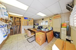 Personal Mini Storage - Kissimmee - 2581 Broadview Dr - Photo 6
