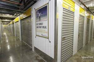 Safeguard Self Storage - Chicago - West Rogers Park - Photo 12