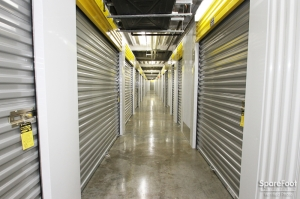 Safeguard Self Storage - Chicago - West Rogers Park - Photo 13
