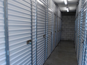 Extra Space Storage - West Palm Beach - Forest Hill Bl - Photo 3