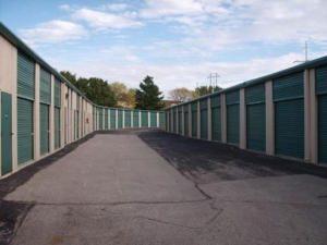 Image of Extra Space Storage - Overland Park - Mastin Dr Facility on 7880 Mastin Drive  in Overland Park, KS - View 2