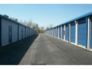 Image of Extra Space Storage - Chesapeake - Bruce Rd Facility on 4620 Bruce Road  in Chesapeake, VA - View 2