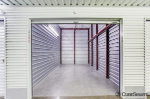 CubeSmart Self Storage - Humble - 9722 North Sam Houston Parkway East - Photo 9