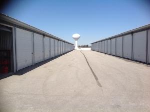 West Locust Storage - Photo 6