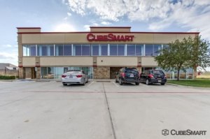 Image of CubeSmart Self Storage - Fort Worth - 7201 North Fwy Facility at 7201 North Fwy  Fort Worth, TX