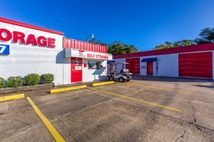 Devon Self Storage - Seabrook - Photo 5