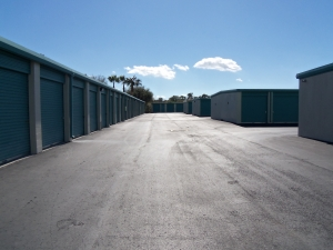 Storage Rentals of America - Riverview