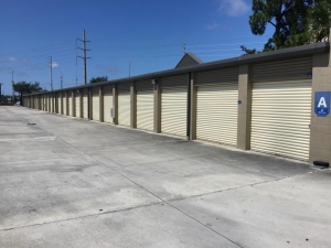 Image of Life Storage - Port Saint Lucie - 10725 South Federal Highway Facility on 10725 South Federal Highway  in Port Saint Lucie, FL - View 2