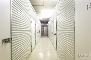 Right Move Storage - Bellaire - Photo 2