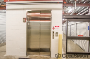 CubeSmart Self Storage - Oak Forest - Photo 7