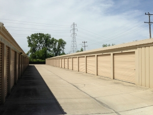 Macomb Storage - New Haven - Photo 3