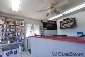 Image of CubeSmart Self Storage - Leesburg - 1435 Center Street Facility on 1435 Center Street  in Leesburg, FL - View 3
