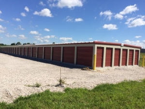 Lock and Save Storage Facility at  4185 Hanover Road, Columbia, IL