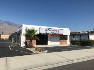 StorWise Palm Springs - 823 South Williams Rd