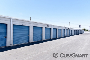 CubeSmart Self Storage - Las Vegas - 3360 N Las Vegas Blvd - Photo 7