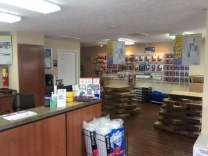StoreSmart - Fayetteville - New Hope Rd - Photo 8