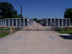 AAA Mini Storage - Abbeville - 1401 South State Street - Photo 1