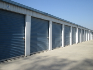Storage Direct - Kingsburg - Photo 3