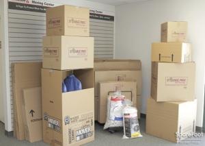Avon Quality Storage - Photo 15