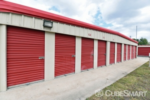 CubeSmart Self Storage - Orlando - 7200 Old Cheney Hwy - Photo 4