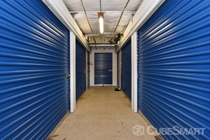 CubeSmart Self Storage - Orlando - 7200 Old Cheney Hwy - Photo 6