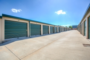 Simply Self Storage - Oklahoma City, OK - Western Ave - Photo 2