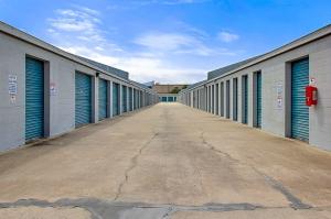 US Storage Centers - Longwood - 460 Florida Central Pkwy - Photo 4
