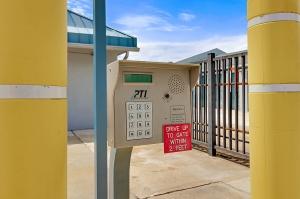 US Storage Centers - Longwood - 460 Florida Central Pkwy - Photo 5