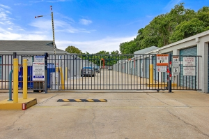 US Storage Centers - Longwood - 460 Florida Central Pkwy - Photo 6