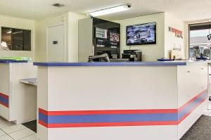 US Storage Centers - Longwood - 460 Florida Central Pkwy - Photo 8