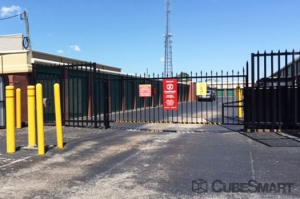 CubeSmart Self Storage - Saint Petersburg - 2501 22nd Ave N - Photo 3