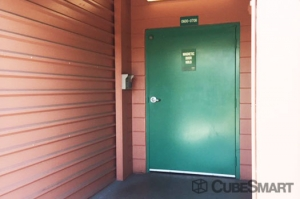 CubeSmart Self Storage - Saint Petersburg - 2501 22nd Ave N - Photo 5