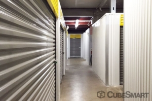 CubeSmart Self Storage - Saint Petersburg - 2501 22nd Ave N - Photo 6