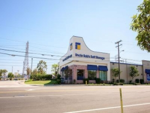 Uncle Bob's Self Storage - Torrance - West 190th Street