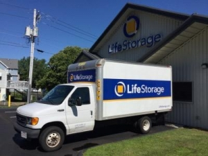 Life Storage - Waterbury - Photo 6