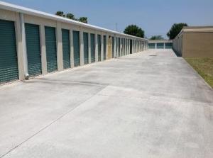 View Larger Life Storage   Port Saint Lucie   Northwest Peacock Boulevard    Photo 4