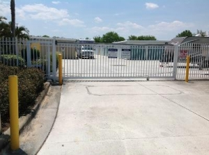 Life Storage - Port Saint Lucie - Northwest Peacock Boulevard - Photo 5