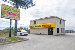 Lockaway Storage - FM 471