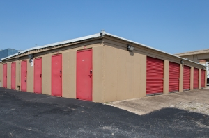 Picture of Move It Self Storage - LBJ