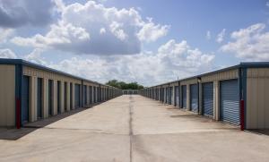 Move It Self Storage - San Benito - Photo 7