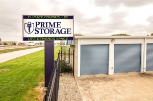 Prime Storage - Champaign - West Kenyon Facility at  611 West Kenyon Road, Champaign, IL