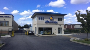 Life Storage - Buffalo - Cayuga Road Facility at  550 Cayuga Road, Buffalo, NY
