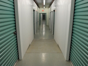 Extra Space Storage - Herndon - Spring St - Photo 3