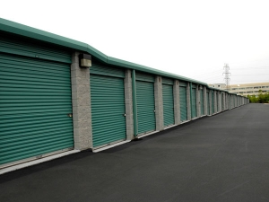 Extra Space Storage - Herndon - Spring St - Photo 9